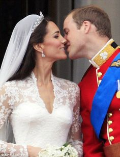 William & Catherine's Famous Wedding Kiss, April 29th, 2011