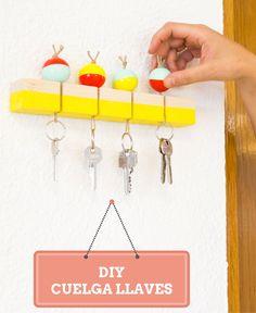 Cómo hacer un cuelga llaves de madera ➜ deja de perder las llaves por casa y diseña tu propio cuelga llaves para tenerlas siempre controladas.       #CuelgaLlaves #Hall #Recibidor #Puerta #Llaves #DIY #Tutorial #Handfie #Manualidades