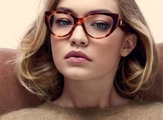 Cat-Eye glasses are an all time favourite go to for your eyewear fashion. The feline elegance that they bring to your wardrobe is unmatched. Gigi Hadid, Cheap Ray Ban Sunglasses, Oakley Sunglasses, Sunglasses Women, Summer Sunglasses, Pink Sunglasses, Mirrored Sunglasses, Max Mara, Fashion Eye Glasses