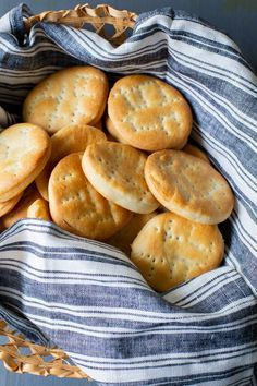 Bread Recipes, Snack Recipes, Cooking Recipes, Snacks, Salty Cake, Biscuit Cookies, Biscuits, Chips, Homemade