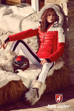 Are you already dreaming of your next downhill run? Perhaps that's down to the powerful design that really gets you in the mood for your next skiing holiday when you look at the Mathilda women's ski jacket. There's one thing for sure, the Colorado Ciré and Premium 4-Way Stretch fabrics are an exciting combination and extremely waterproof: 20,000 mm water column and 20,000 g/m2/d breathability. But none of that is any good without the right insulation. Apres Ski Mode, Mode Au Ski, Apres Ski Party, Winter Suit, Winter Wear, Snow Fashion, Winter Fashion, Snow Outfit, Ski Wear