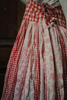 61 New Ideas sewing skirts gypsy mori girl Mode Hippie, Mode Boho, Sewing Clothes, Diy Clothes, Robes Country, Ropa Shabby Chic, Look Fashion, Fashion Tips, Womens Fashion