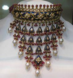 Traditional kundan jewellery design by Tanishq