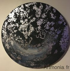 Moon palace. Un bijou pour habiller votre intérieur, Moon palace confère au lieu mystère et élégance. Toile sur châssis rond (diamètre 25cm). Techniques mixtes (feuilles aluminium).  www.artmonia.fr Palace, Creations, Leaves, Places, Canvas, Board, Palaces, Castles, Castle