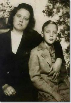young Elvis and mom