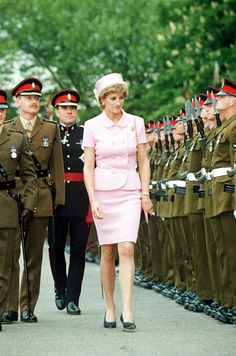 PRINCESS DIANA PRESENTS NEW COLOURS TO 2ND BATTALION PRINCE OF WALES REGIMENT BRITAIN – 1995 (REX/Shutterstock)