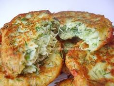 Chiftele din dovlecei cu branza Vegetable Recipes, Vegetarian Recipes, Cooking Recipes, Healthy Recipes, Air Frier Recipes, Grilled Steak Recipes, Good Food, Yummy Food, Romanian Food