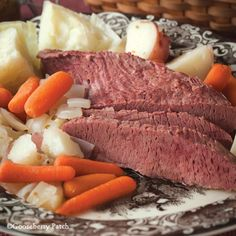 Gooseberry Patch Recipes: Classic Corned Beef & Cabbage from 101 Stovetop Suppers Cookbook Corn Beef And Cabbage, Cabbage Recipes, Beef Recipes, Cooking Recipes, Gooseberry Recipes, Gooseberry Patch, Beef Dishes, Food Dishes, Bon Appetit