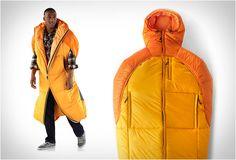 SACO DE DORMIR - EVRGRN CRASH SACK  O saco de dormir - Evrgrn Crash Sack é versátil e combina o calor de um saco de dormir com o conforto indulgente de um casaco.