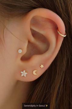 Create your own ear stack with these dainty ear piercings and hoops! Create your own ear stack with these dainty ear piercings and hoops! Ear Jewelry, Dainty Jewelry, Cute Jewelry, Jewelry Ideas, Statement Jewelry, Gold Jewellery, Diamond Jewelry, Jewlery, Women Jewelry