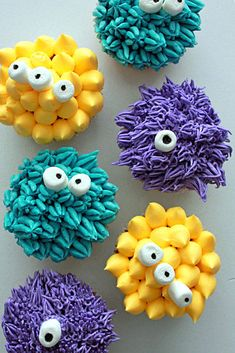 10 Killer Monster Cupcakes to Get You in the Halloween Spirit - Brit + Co Halloween Desserts, Halloween Cupcakes, Easy Halloween, Spirit Halloween, Halloween Treats, Halloween Parties, Kid Parties, Halloween 2015, Halloween Halloween
