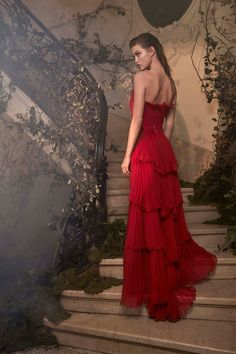 The complete Alberta Ferretti Limited Edition Spring 2018 Couture fashion show now on Vogue Runway.