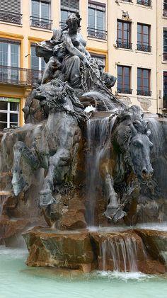 La Fontaine Bartholdi - Place des Terreaux - LYON