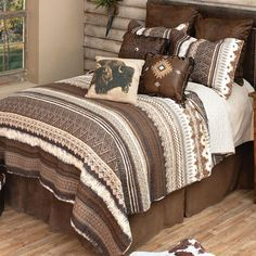 Western Bedrooms, Western Bedding, Quilt Bedding, Cotton Bedding, Southwest Bedroom, Quilt Sets Queen, Black Forest Decor, How To Clean Pillows, Western Furniture