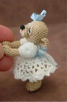 Sweet ~ crocheted bear...no pattern, but how precious is THIS?!