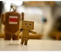 I love little wee robots & tiny monsters LOL!