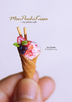 A polymer clay icecream miniature made by monpuchikissa http://monpuchikissa.deviantart.com/