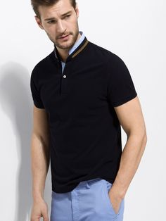 Men´s Polos at Massimo Dutti online. Enter now and view our spring summer 2017 Polos collection. Polo Shirt Style, Polo Shirt Design, Polo Rugby Shirt, Polo T Shirts, Camisa Polo, Mens Golf Fashion, Smart Men, Simple Shirts, Men Looks