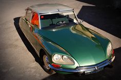 Citroën DS: Classic Cars at Auto Retro Barcelona