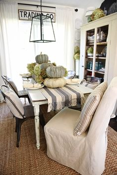 Rustic Heirloom Pumpkin Thanksgiving Table