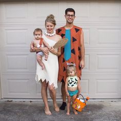 21 family Halloween costumes with a baby to get you inspired for the upcoming ho. 21 family Halloween costumes with a baby to get you inspired for the upcoming holiday! Find classic ideas as well as super unique, fun costume ideas. Matching Family Halloween Costumes, Disney Family Costumes, Cute Baby Halloween Costumes, Couples Halloween, Boy Costumes, Halloween Costumes For Girls, Zombie Costumes, Group Halloween, Group Costumes