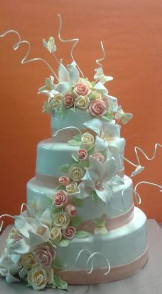 wedding ivory by martina bikovska …See the cake: http://cakesdecor.com/cakes/139451-wedding-ivory