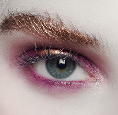 Sunset eyemakeup—love the metallic brow