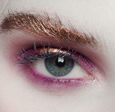 Sunset eyemakeup—love the metallic brow