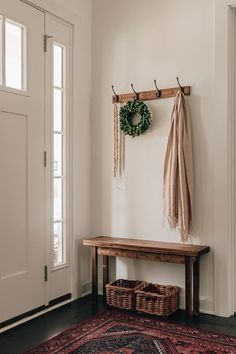 Small Entryway Decor, Entryway Ideas, Hallway Ideas, Entry Coat Rack, Hallway Coat Rack, Wooden Crates On Wall, Hallway Decorating, Decorating Ideas, Hanging Coat Rack