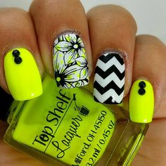 Neon for summer- Nailstamping - neon polka dots under the flowers