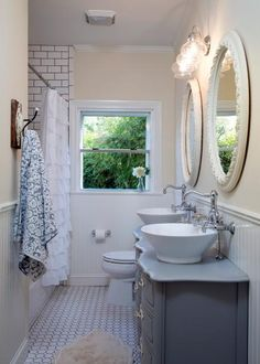 You can bring 'Fixer Upper' style to your home with these Joanna Gaines-inspired bathroom features from HGTV. Br House, Tiny House, Best Modern House Design, Ideas Hogar, Chip And Joanna Gaines, Chip Gaines, Bathroom Renos, Bathroom Ideas, Bathroom Designs