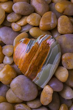 Shape Photograph - Polished Heart Stone by Garry Gay Beautiful Heart Images, Beautiful Flowers Wallpapers, Beautiful Rocks, Heart In Nature, Heart Art, Rocks And Gems, Rocks And Minerals, Heart Shaped Rocks, Artsy Photos