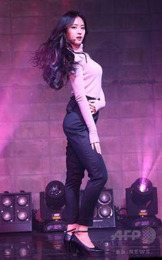 韓国・ソウル(Seoul)で、アルバム「PINK LUV」の発売記念イベントに臨む、ガールズグループ「A Pink(エーピンク)」のメンバー(2014年11月20日撮影)。(c)STARNEWS ▼21Nov2014AFP|ガールズグループA Pink、5作目のアルバムを発表 http://www.afpbb.com/articles/-/3032340 #A_Pink #Apink #에이핑크