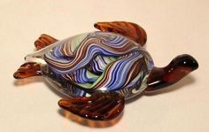 Sea Turtle Glass Sculpture  This is the type of glass animals I just LOVE