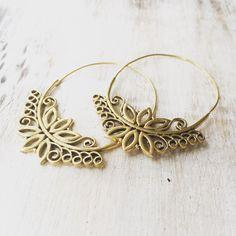 Boucles d'oreilles Lotus créoles boucle d'oreille par LalaBoho