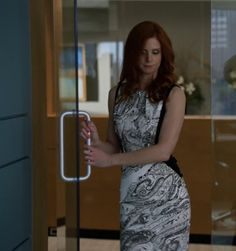 """Donna's Etro Paisley-print satin-twill dress Suits Season 3, Episode 2: """"I Want You to Want Me"""""""