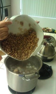 Authentic Mexican Pinto Beans (Frijoles de la hoya)