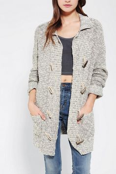 BDG Toggle Cardigan - Urban Outfitters on Wanelo by DaisyCombridge Autumn Winter Fashion, Winter Style, Fall Fashion, Pretty Outfits, Pretty Clothes, Fall Wardrobe, Sweater Jacket, Urban Outfitters, Style Me