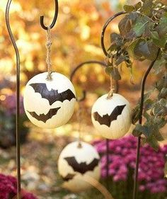 Google Image Result for http://www.tulleandchantilly.com/blog/wp-content/uploads/2012/10/Fall-Wedding-Pumpkin-Garden-Hook-Decoration.jpg