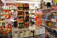 Estamos especializados en juguetes de niños 0-16 años, también tenemos artículos de regalo para ocasiones especiales como cumpleaños fiestas etc...