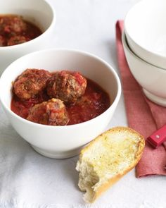 Meatballs with Garlic Bread