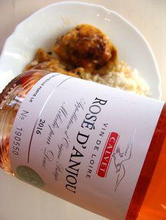 Gastro inšpirácia: Pečené kuracie stehienka, kvapka Rosé d Anjou a váš obed bude mimoriadny ...  #rose #rosee #rosedanjou #ruzovevino #pecenestehienko #jedlo #food #wine #vino #inmedio #in_medio #chutne #mojejedlo #dnesjem #dnesjeme #instajedlo #krasnyzivot #dnes #varime #ochutnaj #taste