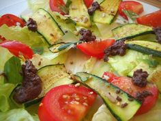 Insalata con zucchine alla piastra – Vegan blog – Ricette Vegan – Vegane – Cruelty Free