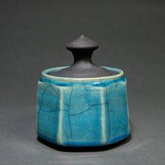 """24 """"Μου αρέσει!"""", 0 σχόλια - Bozonelos Ceramics (@bozonelos_ceramics) στο Instagram: """"*** How they are made *** The ceramics that I create, stand out because their most important…"""" Raku Pottery, Pottery Art, Ceramic Techniques, Japanese Ceramics, Ceramic Art, Vase, Unique Jewelry, Handmade Gifts, Turquoise"""