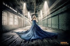 Fotograf Lady in Blue von Reinhard Loher auf Illustration Artists, Eye Illustration, Light And Shadow, Most Beautiful Pictures, In The Heights, Illusions, Ballet Skirt, Photoshop, Portrait
