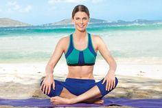 Das neue Yoga-Workout der amerikanischen Yoga-Leherin Tara Stiles hilft gegen Alltagsprobleme, Heißhunger auf Süßes und sogar Liebeskummer. Probiert's aus: http://www.shape.de/fitness/yoga/a-35336/asanas-fuer-die-seele.html