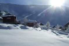 Tiffindell in South Africa Hight: Apres-Ski: 1 Snowparks: no Heliskiing: no Glacier: no Crowdfactor: 4 New Africa, South Africa, Snowboarding Resorts, Snow Fun, Kwazulu Natal, Snow Skiing, Beautiful Places In The World, Places To Go, Vacation