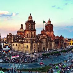 #MexicoCity tops @nytimes 52 Places to Go in #2016. Who's been and who wants to go this year? It only took @icarus_and_the_sun two days to fall in love with the city. Thanks for sharing by using #travelzoo! #Mexico #listswelove