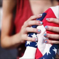 4th of July American Flag nail art design #nails #nailart #naildesign #usa // With liberty