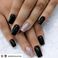 "If you're unfamiliar with nail trends and you hear the words ""coffin nails,"" what comes to mind? It's not nails with coffins drawn on them. It's long nails with a square tip, and the look has. Fabulous Nails, Perfect Nails, Gorgeous Nails, Black Nails, Pink Nails, Glitter Nails, Pink Glitter, Stylish Nails, Trendy Nails"